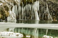 Lac, réflexions, itinéraire aménagé pour amateurs de la nature, hiver, congelé, froid, le Colorado photo libre de droits