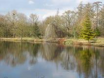 Lac r3fléchissant photographie stock