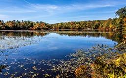 Lac Ramapo, ciel dans le lac photos libres de droits