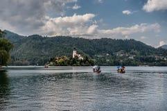 Lac saigné avec l'île en Slovénie images stock