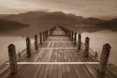 Lac sans fin de brouillard image libre de droits