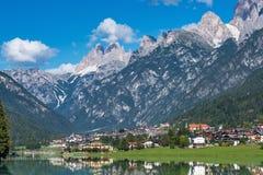 Lac Santa Caterina ou lac Auronzo dans la province de Bellune, Italie image stock