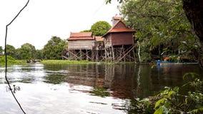 Lac sap de Tonle, village photo libre de droits