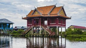 Lac sap de Tonle, village photographie stock libre de droits