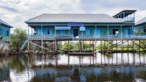 Lac sap de Tonle, village images stock