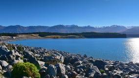 Lac scénique Pukaki et montagnes environnantes en Mackenzie Basin Image stock