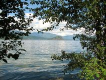 Lac Shuswap et île d'en cuivre, AVANT JÉSUS CHRIST, Canada Images stock