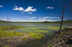 Lac sous le ciel Image libre de droits