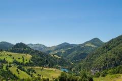 Lac Spajic sur la montagne Tara en Serbie occidentale Images stock