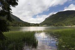 Lac Spitzingsee en Bavière, Allemagne Photo stock