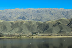 Lac sur la montagne des Andes photo libre de droits