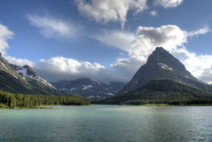 Lac Swiftcurrent de parc national de glacier Photos libres de droits