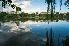 Lac sword de lac Hoan Kiem, Ho Guom à Hanoï, Vietnam Photographie stock libre de droits