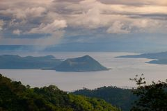lac taal images stock