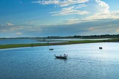 Lac Taungthaman au pont d'U-bein Photos libres de droits