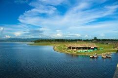 Lac Taungthaman et pont d'u-Bein Photos stock