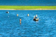 Lac Taungthaman près de pont d'U-bein Image libre de droits