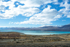 Lac Tekapo regardant vers le bâti Dobson Image libre de droits
