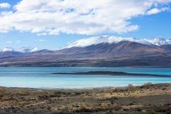Lac Tekapo regardant vers le bâti Dobson Images libres de droits