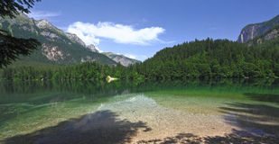 Lac Tovel sur des alpes Photo libre de droits