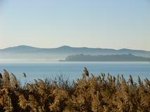 Lac Trasimeno, Italie Photographie stock libre de droits