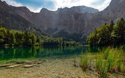 Lac vert caché Autriche images stock