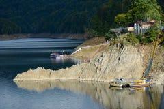 Lac Vidraru images stock