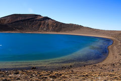 Lac volcanique bleu Photo stock