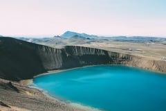 Lac volcanique en Islande, paysage du nord Images libres de droits