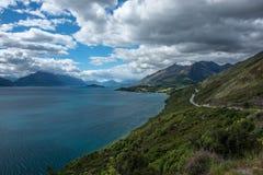 Lac Wakatipu, Nouvelle Zélande. Photo stock