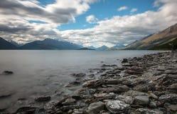 Lac Wakatipu, Nouvelle Zélande. Photographie stock libre de droits