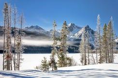 Lac winter en Idaho couvert de neige Photographie stock libre de droits