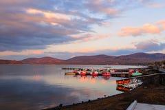 Lac Yamanaka au crépuscule Images libres de droits