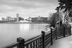 Lac Yundang au crépuscule, image noire et blanche Image stock