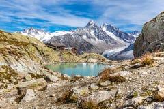Laca Blanc, refugio de Blanc de la laca, gama de montaña Francia Foto de archivo libre de regalías