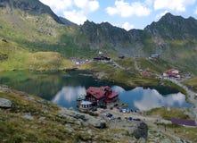 Laca de Balea, montanhas de Carpathians, Romênia imagens de stock royalty free