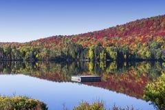 Laca-Superieur, Mont-tremblant, Quebec, Canadá Fotografía de archivo