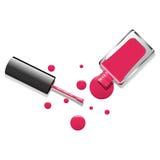 Lacca rosa e gocce del chiodo su fondo bianco Fotografie Stock Libere da Diritti