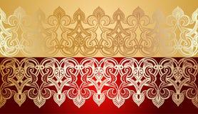 Lacet sans joint d'or sur le rouge Photos stock