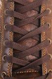 Lacets de chaussure en plan rapproché Image stock