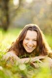 Lachen des jungen Mädchens Lizenzfreies Stockbild