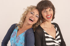 Lachen mit zwei Freunden Lizenzfreie Stockfotografie