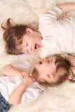 Lachen mit zwei Mädchen Stockfotografie