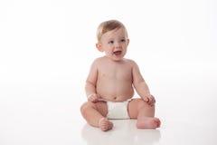 Lachende Babyjongen in Luier Royalty-vrije Stock Afbeeldingen