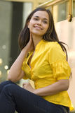 Lachende junge Frau Lizenzfreies Stockfoto