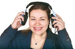 Lachende junge Frau des glücklichen Bedieners Lizenzfreie Stockfotografie