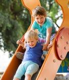 Lachende Kinder auf Dia Lizenzfreie Stockfotografie