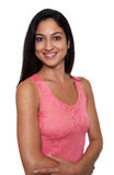 Lachende Turkse vrouw in een rode kleding Stock Foto's