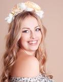 Lachendes blondes Mädchen Stockbilder