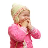 Lachendes Kleinkind, das in einem Sicherheitsschwingen schwingt Lizenzfreie Stockfotografie